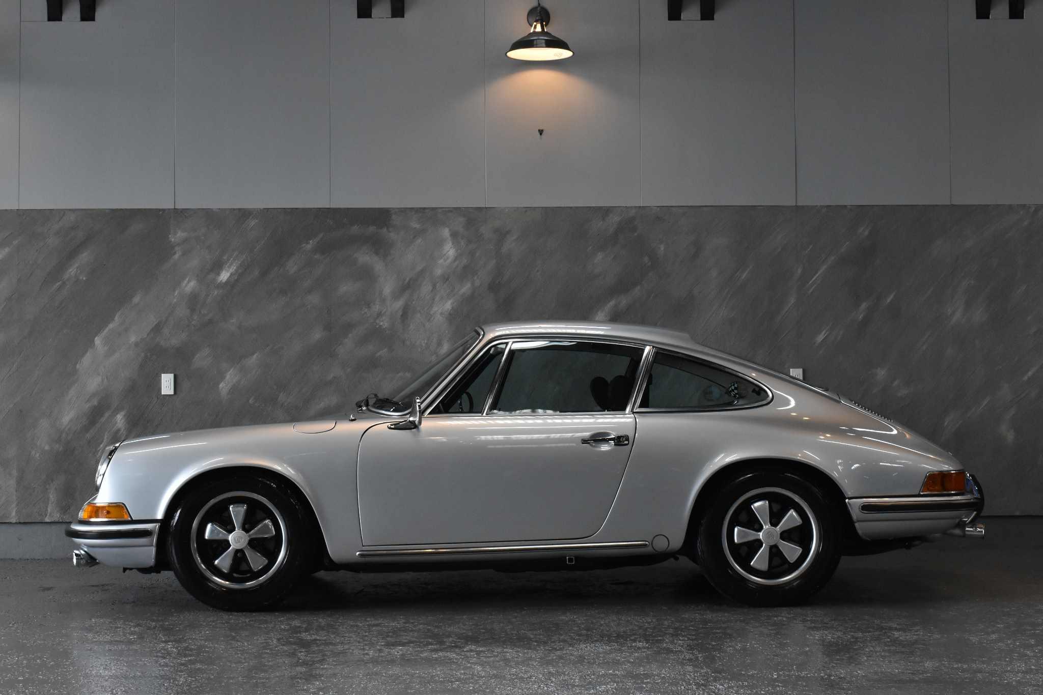1969 年 ポルシェ 911E 2.0/5MT 【5ナンバー】